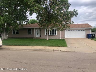 Dickinson Single Family Home For Sale: 728 6th SW