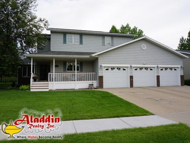 Our agents bismarck homes for sale property search in for Nd home builders