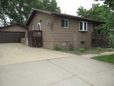 Hazen ND Single Family Home For Sale: $145,000