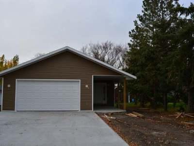 Garrison Single Family Home For Sale: 444 1st St NE