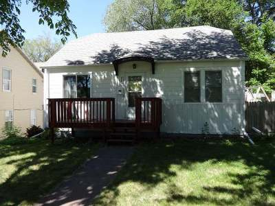 Bismarck Single Family Home For Sale: 808 1st St N