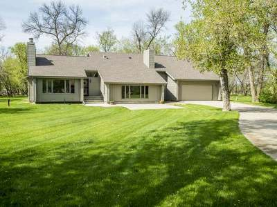 Bismarck Single Family Home For Sale: 8901 Briardale Dr