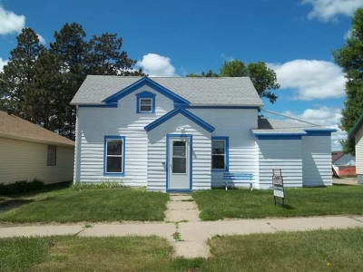 New Salem Single Family Home For Sale: 312 4th St N