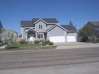 Bismarck Single Family Home For Sale: 4908 Amberglow Dr