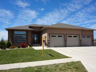 Bismarck Single Family Home For Sale: 4132 High Creek Rd