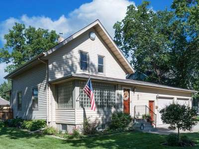 Single Family Home For Sale: 401 1st Ave NW