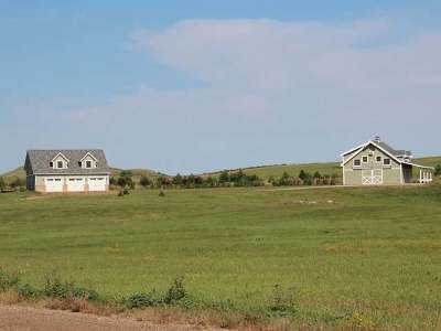 Bismarck Farm For Sale: 890 110 Ave NW