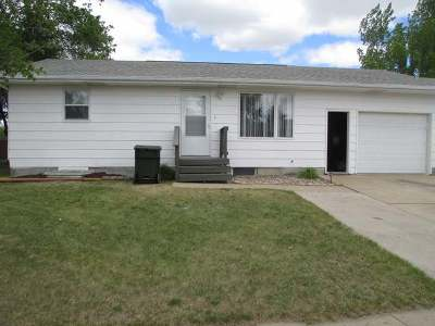 Hazen ND Condo/Townhouse For Sale: $144,500