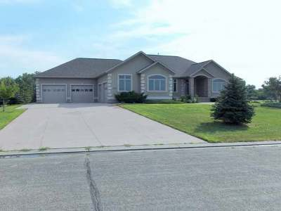 Bismarck Single Family Home For Sale: 6518 Leisure Lane