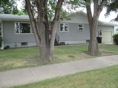Hazen ND Single Family Home For Sale: $169,900