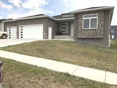 Bismarck Single Family Home For Sale: 3713 High Creek Rd