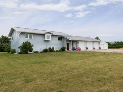 Mandan Single Family Home For Sale: 2111 Missouri Loop N