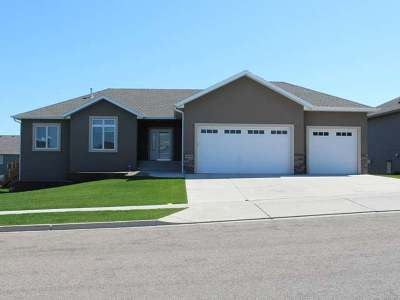 Bismarck Single Family Home For Sale: 4413 Silica Pl