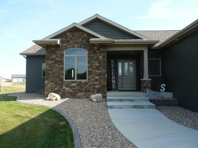 Bismarck Single Family Home For Sale: 1201 Calypso Dr