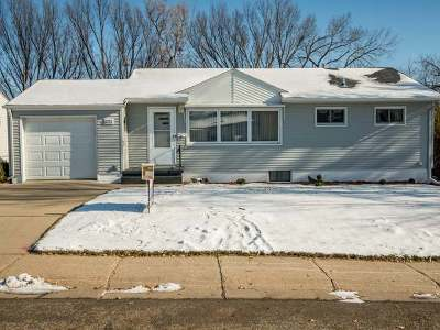 Bismarck Single Family Home For Sale: 1213 11th St N