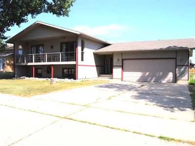 Bismarck Single Family Home For Sale: 1972 Jackson Av
