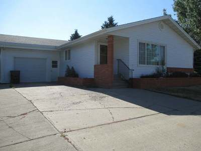 Hazen Single Family Home For Sale: 106 3rd Ave West