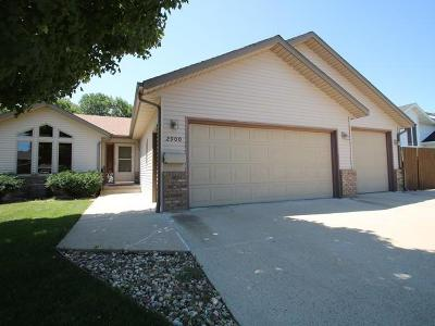 Bismarck Single Family Home For Sale: 2900 Essex Lp