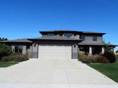 Bismarck Single Family Home For Sale: 4620 Green Spruce La