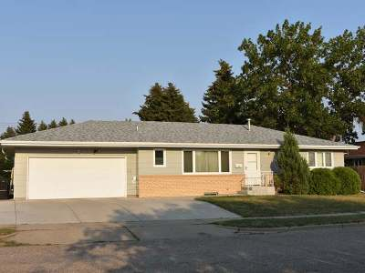 Bismarck ND Single Family Home For Sale: $274,900