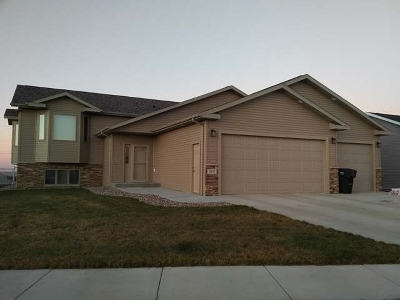 Mandan Single Family Home For Sale: 3907 Trident Court