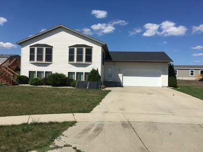 Bismarck Single Family Home For Sale: 3236 Bethany Lp