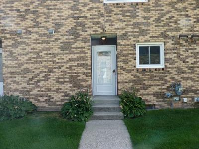 Bismarck ND Condo/Townhouse For Sale: $165,000