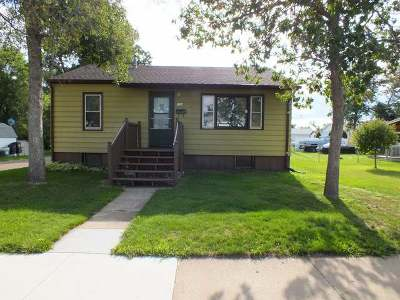 Mandan Single Family Home For Sale: 506 9 Ave SW