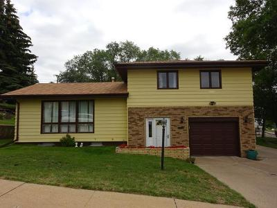 Bismarck Single Family Home For Sale: 701 28th St N