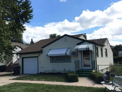 Mandan Single Family Home For Sale: 106 12 Ave NW