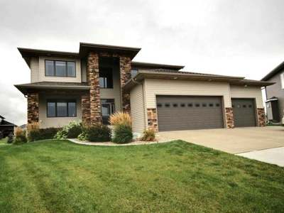Bismarck Single Family Home For Sale: 3620 Chisholm Place