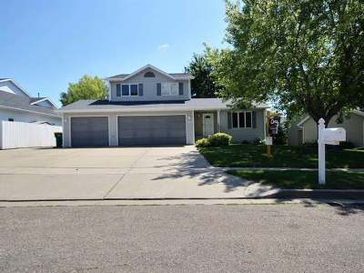 Bismarck Single Family Home For Sale: 3075 Greenwood Dr