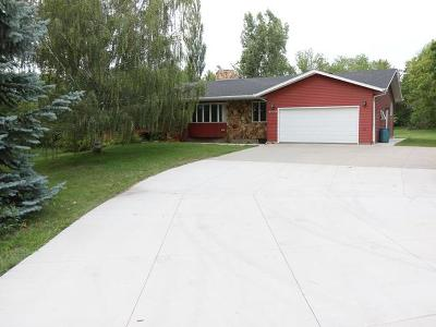Bismarck Single Family Home For Sale: 4220 Roundup Rd E