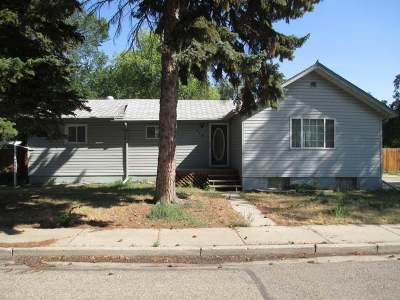 Hazen Single Family Home For Sale: 118 5th St NE