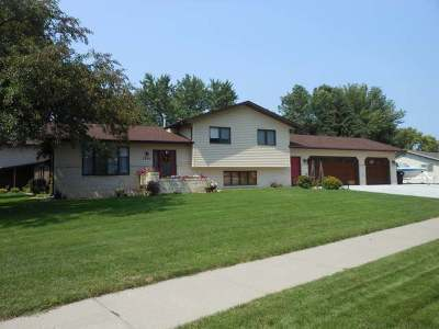 Bismarck ND Single Family Home For Sale: $294,700