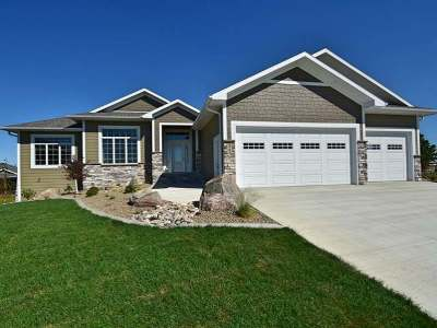 Bismarck Single Family Home For Sale: 5701 Crested Butte Rd