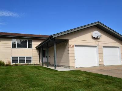Bismarck Single Family Home For Sale: 1569 Omaha Dr E