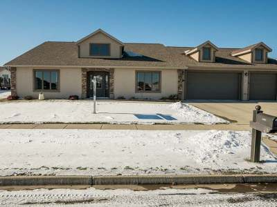 Bismarck Single Family Home For Sale: 3212 Clairmont Rd