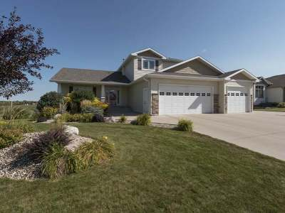 Bismarck Single Family Home For Sale: 5030 Driftwood La