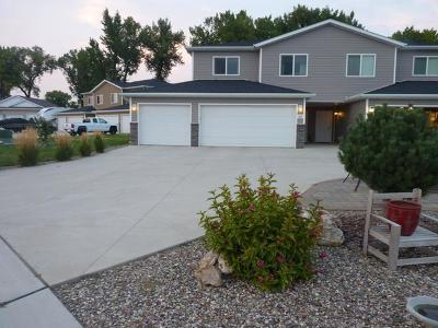 Mandan ND Condo/Townhouse For Sale: $225,000