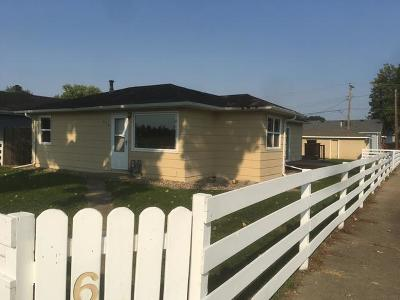 Mandan Single Family Home For Sale: 610 10th Ave