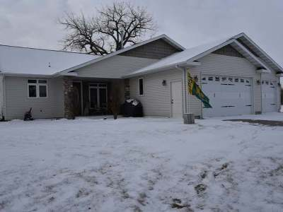 Bismarck Single Family Home For Sale: 2131 Oahe Bend Dr