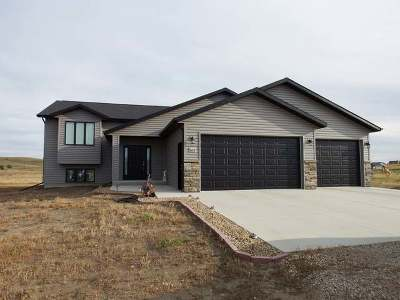 Bismarck Single Family Home For Sale: 6115 Kayley Ct