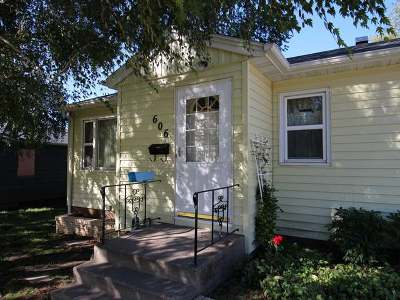 Bismarck Single Family Home For Sale: 606 24 St N