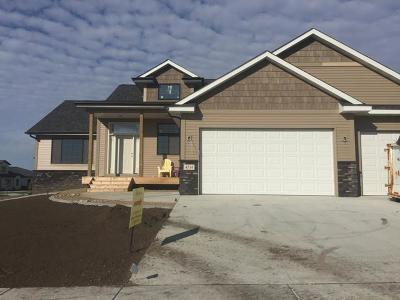 Bismarck Single Family Home For Sale: 4514 Grey Hawk Ln