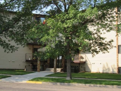 Bismarck Condo/Townhouse For Sale: 2710 Gateway Av #3C