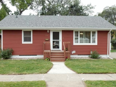 Bismarck Single Family Home For Sale: 914 Curtis St N