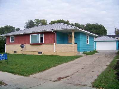 Bismarck Single Family Home For Sale: 1803 8th St N