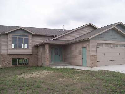 Mandan Single Family Home For Sale: 2601 34th Ave SE