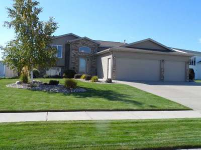 Bismarck Single Family Home For Sale: 4525 Chamberlain Dr